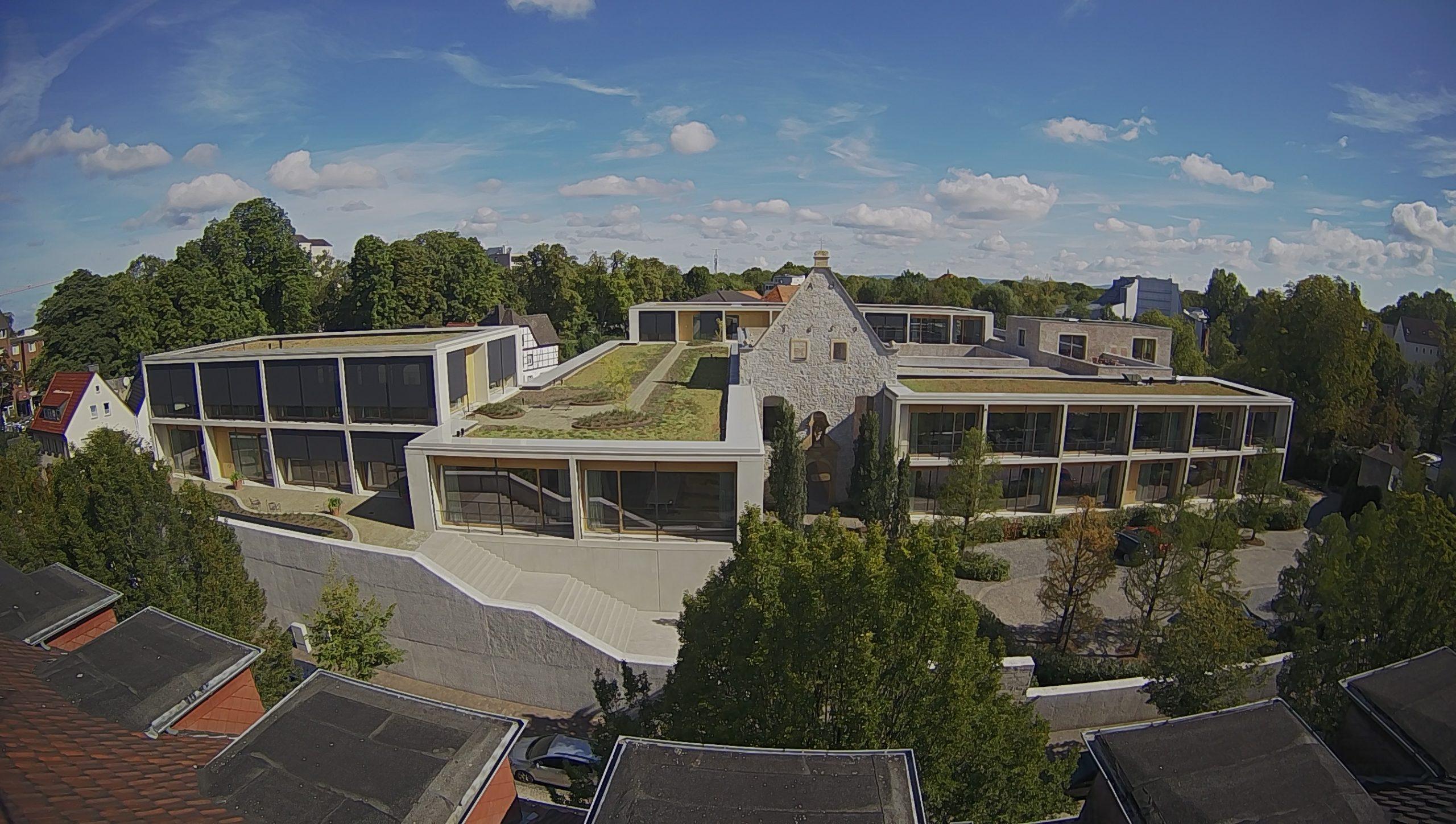 Das Headquarter der Tap Holding, die Jacoby Studios, wurden nach Entwürfen von David Chipperfield Architects Berlin gebaut.